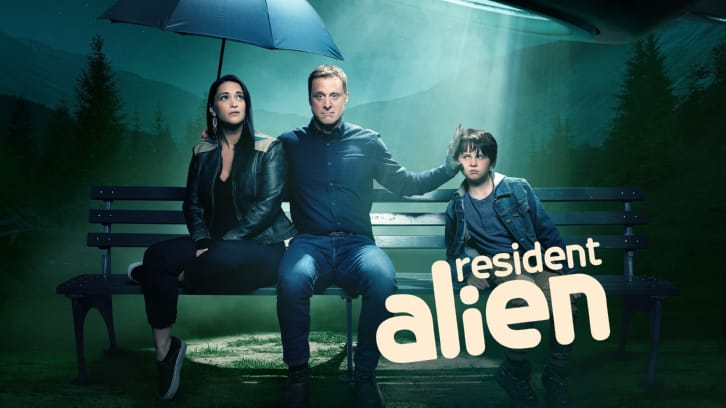 Resident Alien - Episode 1.07 - The Green Glow - Promotional Photos + Promo
